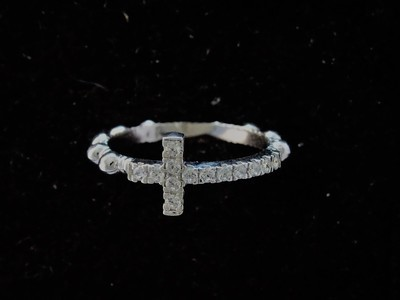 Rosary ring with white zircons